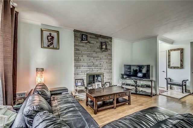 Detached at 399 Lynett Cres, Richmond Hill, Ontario. Image 15