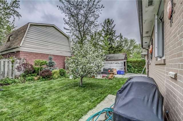 Detached at 399 Lynett Cres, Richmond Hill, Ontario. Image 10
