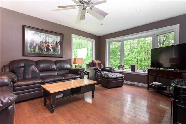 Detached at 20759 Warden Ave, East Gwillimbury, Ontario. Image 15