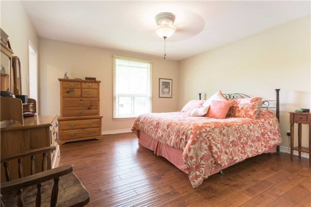 Detached at 20759 Warden Ave, East Gwillimbury, Ontario. Image 17