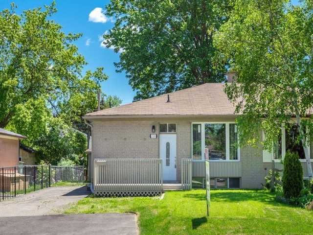 Semi-detached at 236 Demaine Cres, Richmond Hill, Ontario. Image 1