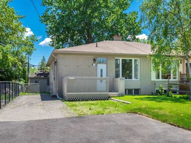Semi-detached at 236 Demaine Cres, Richmond Hill, Ontario. Image 11