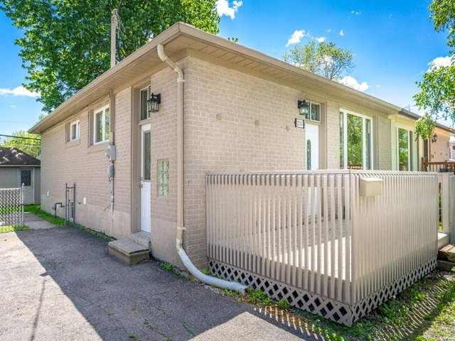 Semi-detached at 236 Demaine Cres, Richmond Hill, Ontario. Image 12