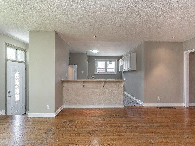 Semi-detached at 236 Demaine Cres, Richmond Hill, Ontario. Image 16