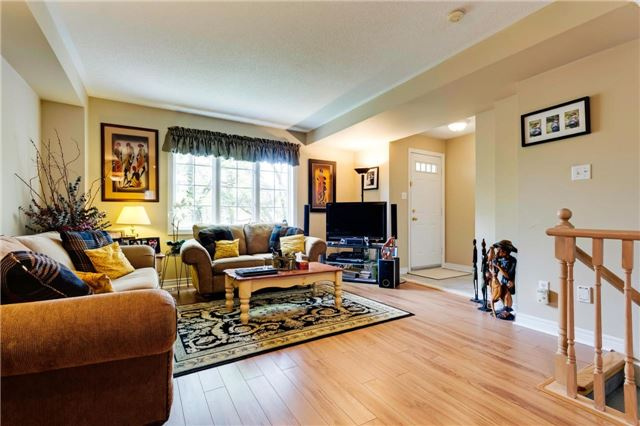 Condo Townhouse at 36 Marmill Way, Markham, Ontario. Image 5