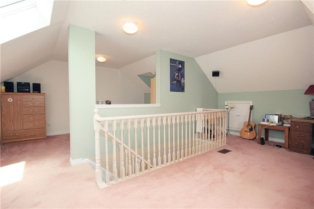 Condo Townhouse at 36 Marmill Way, Markham, Ontario. Image 2