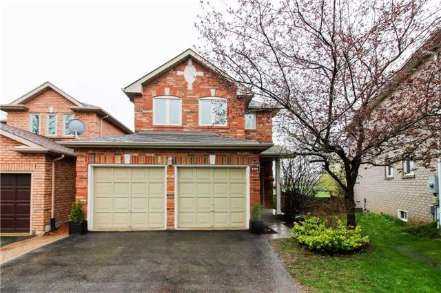 Detached at 199 Surgeoner Cres, Newmarket, Ontario. Image 1