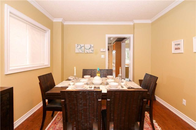 Detached at 199 Surgeoner Cres, Newmarket, Ontario. Image 17