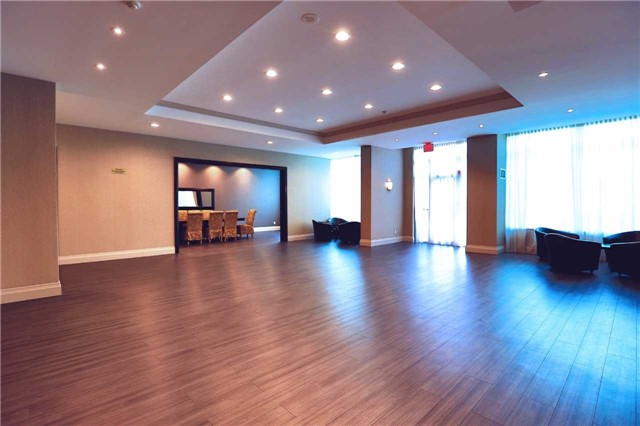 Condo Apartment at 100 Promenade Circ, Unit 303, Vaughan, Ontario. Image 15