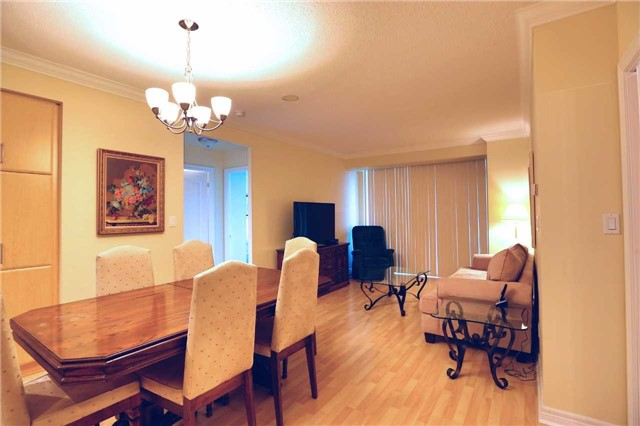 Condo Apartment at 100 Promenade Circ, Unit 303, Vaughan, Ontario. Image 7