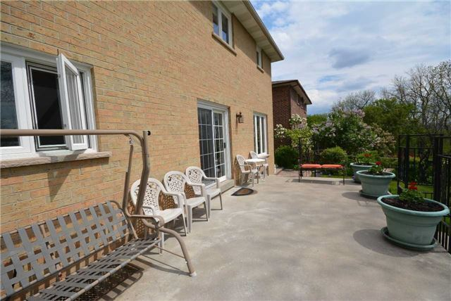 Detached at 58 Bruce St, Vaughan, Ontario. Image 12