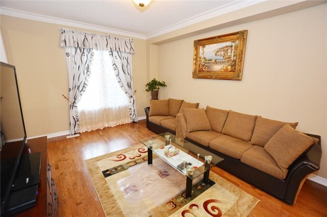 Townhouse at 6973 14th Ave, Markham, Ontario. Image 6