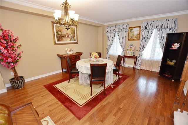 Townhouse at 6973 14th Ave, Markham, Ontario. Image 8