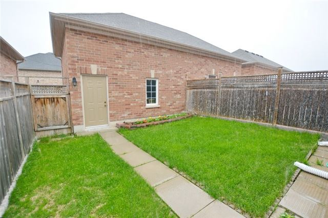 Townhouse at 6973 14th Ave, Markham, Ontario. Image 5