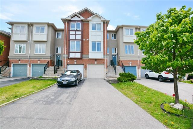 Townhouse at 7 Coburg Cres, Richmond Hill, Ontario. Image 1