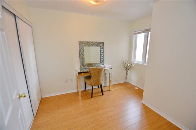 Townhouse at 7 Coburg Cres, Richmond Hill, Ontario. Image 9