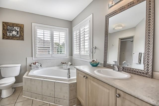 Detached at 146 West Lawn Cres, Whitchurch-Stouffville, Ontario. Image 5