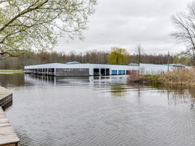Detached at 12 Island Dr, Georgina, Ontario. Image 10