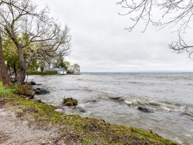 Detached at 12 Island Dr, Georgina, Ontario. Image 13
