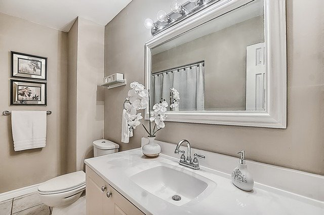 Semi-detached at 122 Longford Dr, Newmarket, Ontario. Image 12