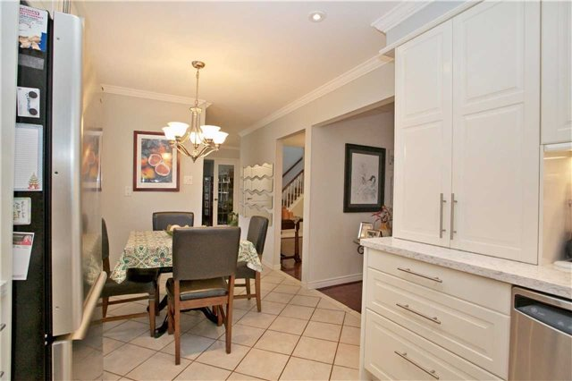 Detached at 10 Tiffany Gate, Richmond Hill, Ontario. Image 20