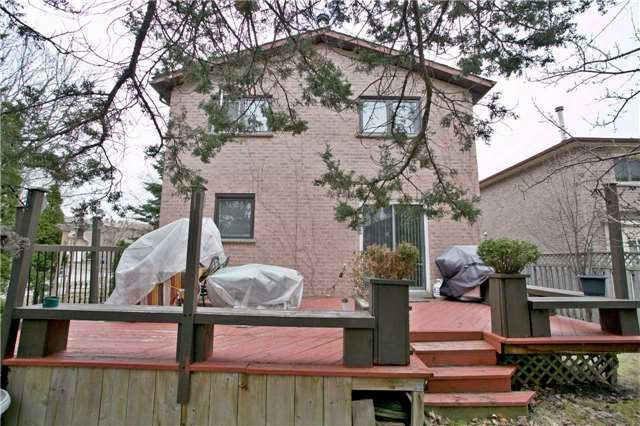 Detached at 10 Tiffany Gate, Richmond Hill, Ontario. Image 11