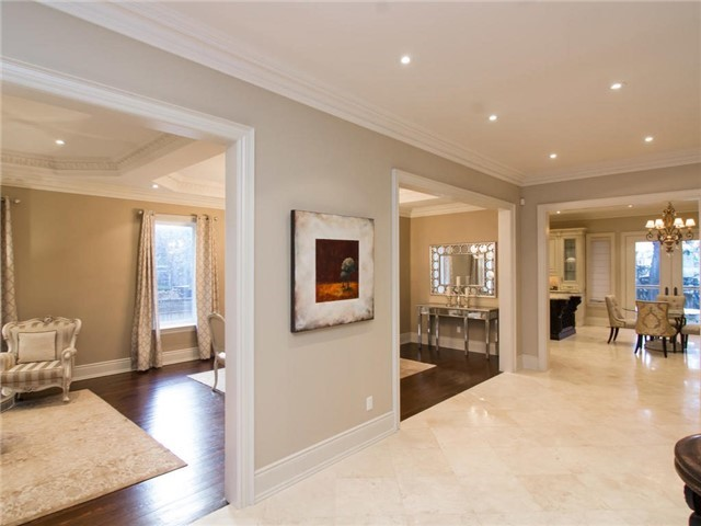 Detached at 32 Winterport Crt, Richmond Hill, Ontario. Image 18