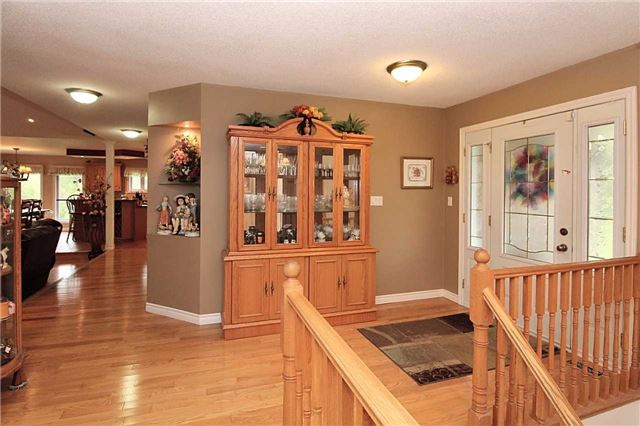 Detached at 2630 5th Line, Innisfil, Ontario. Image 12