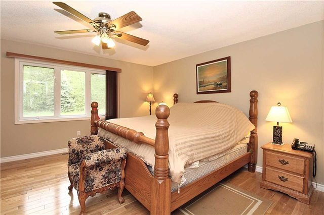Detached at 2630 5th Line, Innisfil, Ontario. Image 20