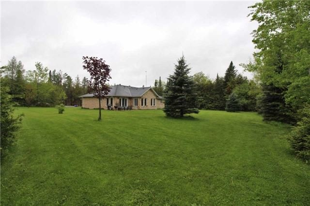 Detached at 2630 5th Line, Innisfil, Ontario. Image 11