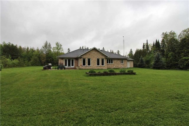 Detached at 2630 5th Line, Innisfil, Ontario. Image 13
