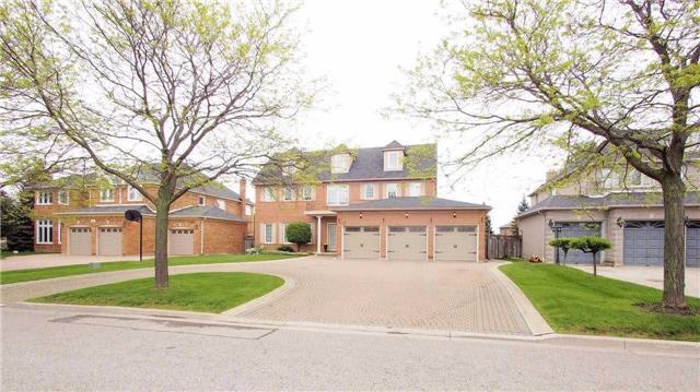 Detached at 21 Dumfries Dr, Markham, Ontario. Image 10