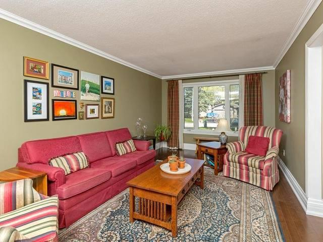 Detached at 29 Law Cres, Richmond Hill, Ontario. Image 14