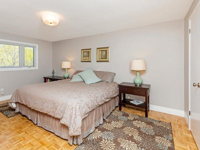 Detached at 29 Law Cres, Richmond Hill, Ontario. Image 6