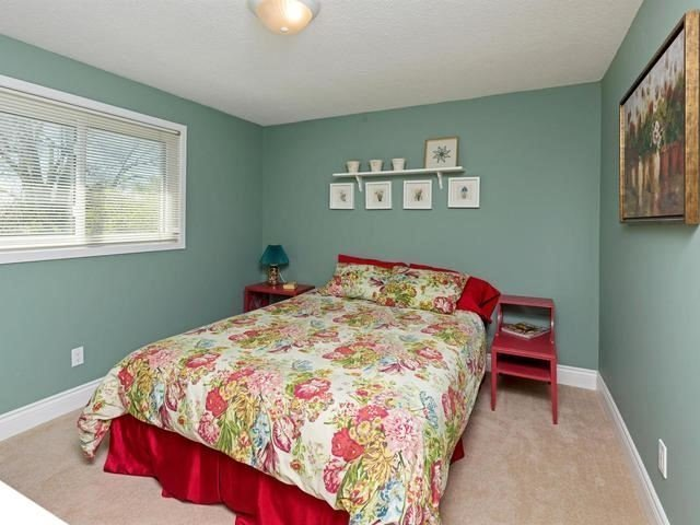 Detached at 29 Law Cres, Richmond Hill, Ontario. Image 7