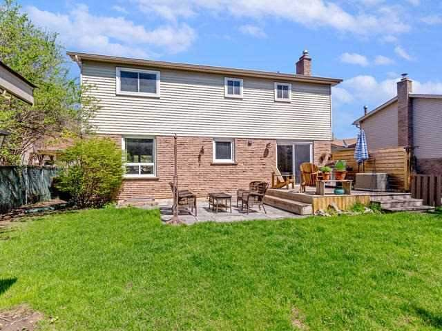 Detached at 29 Law Cres, Richmond Hill, Ontario. Image 11