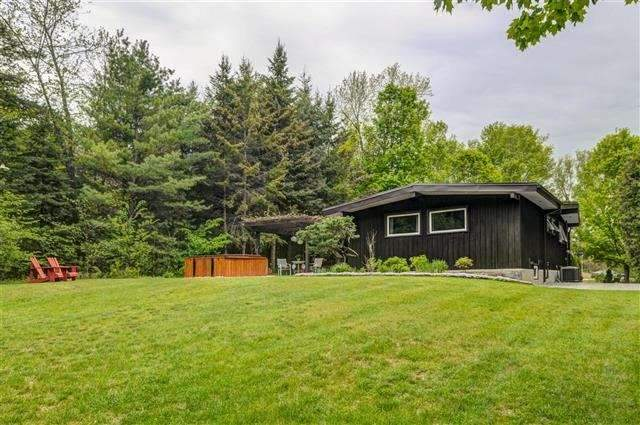 Detached at 5077 Vivian Rd, Whitchurch-Stouffville, Ontario. Image 5