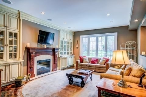 Detached at 105 Luba Ave, Richmond Hill, Ontario. Image 2