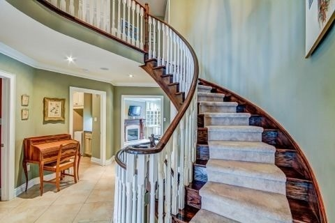 Detached at 105 Luba Ave, Richmond Hill, Ontario. Image 3