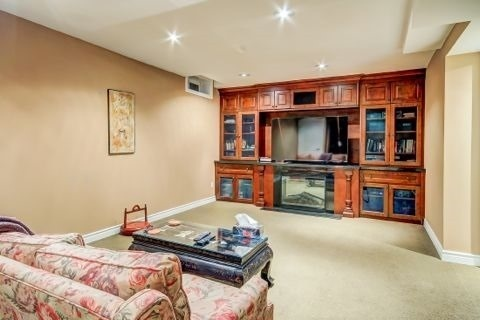 Detached at 105 Luba Ave, Richmond Hill, Ontario. Image 8
