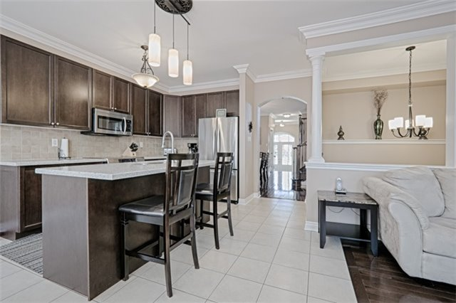 Detached at 94 Hoppington Ave, Whitchurch-Stouffville, Ontario. Image 19