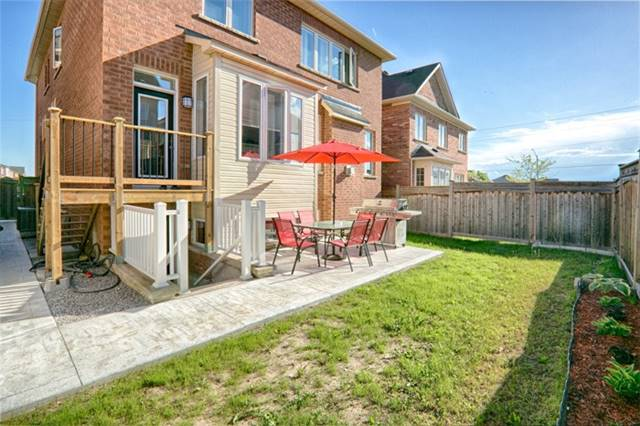 Detached at 94 Hoppington Ave, Whitchurch-Stouffville, Ontario. Image 13