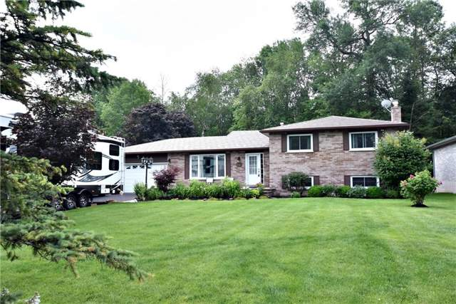 Detached at 11 Amberglen Crt, East Gwillimbury, Ontario. Image 1