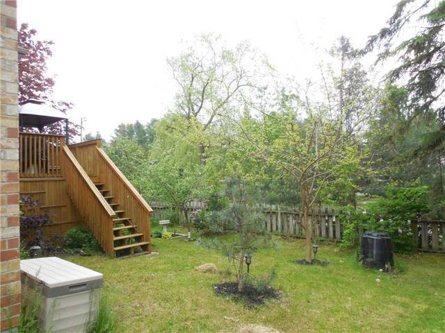 Detached at 951 Anna Maria Ave, Innisfil, Ontario. Image 16