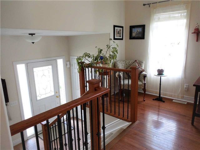 Detached at 951 Anna Maria Ave, Innisfil, Ontario. Image 19