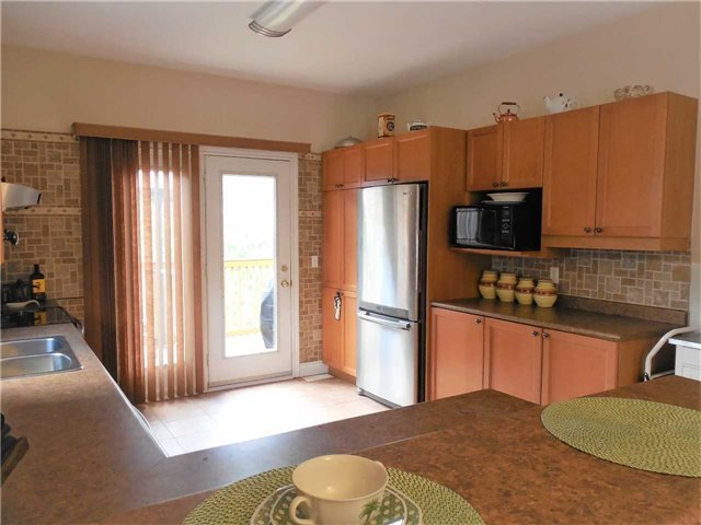 Detached at 951 Anna Maria Ave, Innisfil, Ontario. Image 20
