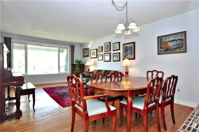 Detached at 79 Alexander Rd, Newmarket, Ontario. Image 9