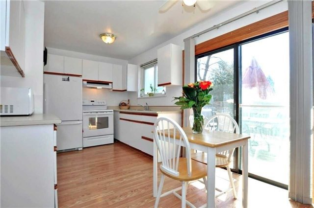 Detached at 79 Alexander Rd, Newmarket, Ontario. Image 10