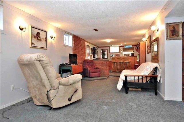 Detached at 79 Alexander Rd, Newmarket, Ontario. Image 15