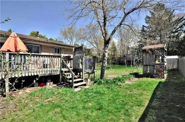 Detached at 79 Alexander Rd, Newmarket, Ontario. Image 5